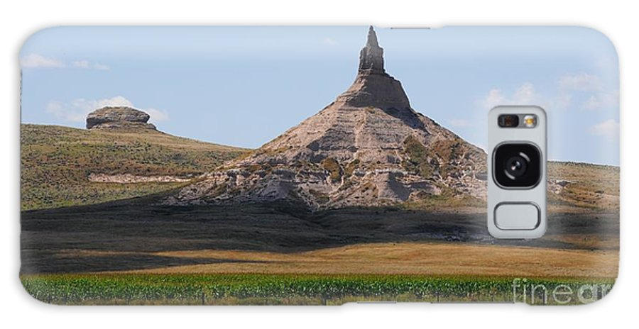Galaxy S8 Case featuring the photograph Chimney Rock Nebraska by Brandon Finister