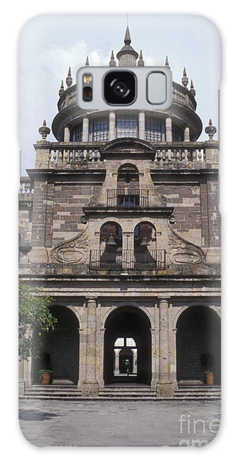 Mexico Galaxy S8 Case featuring the photograph Instituto Cabanas Guadalajara Mexico by John Mitchell