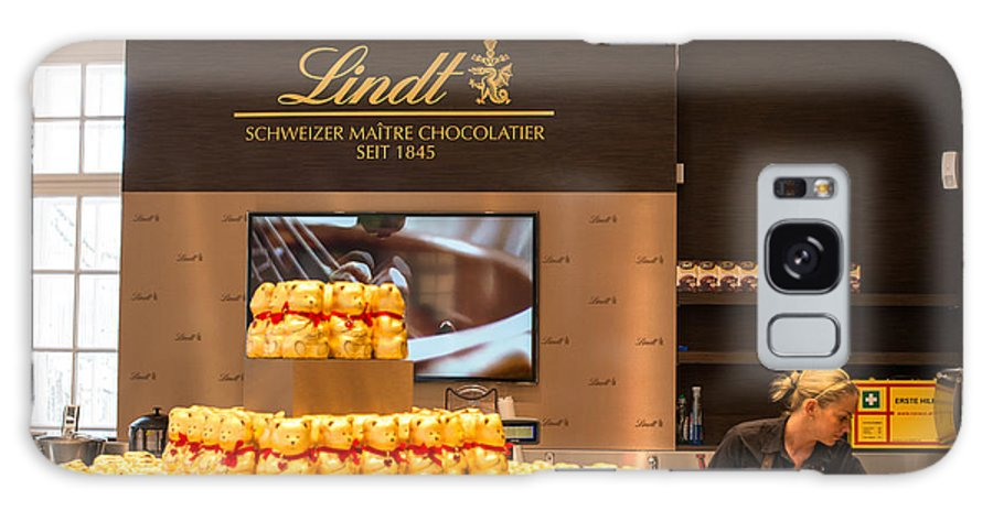 Lindt Galaxy S8 Case featuring the photograph Lindt Chocolate Boutique In Vienna - Austria by Frank Gaertner