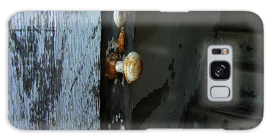 Door Knob Galaxy S8 Case featuring the photograph Past Age Passage by Lin Haring