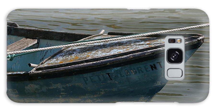 Petit Laurent Galaxy S8 Case featuring the photograph Petit Laurent by Phoenix De Vries
