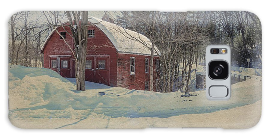 Putney Vermont Galaxy S8 Case featuring the photograph Red Barn Another View by Tom Singleton