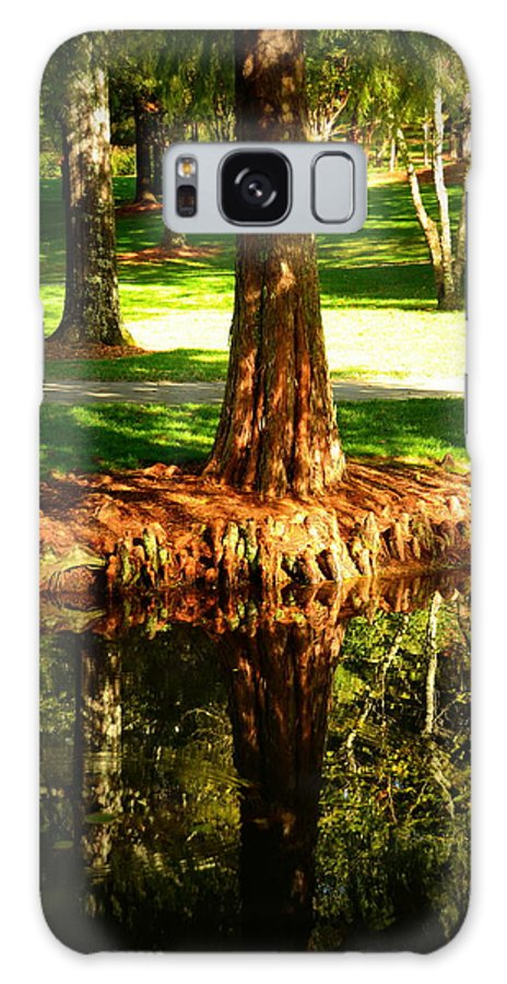 Gardens Galaxy S8 Case featuring the photograph Reflections by Dave Wangsness