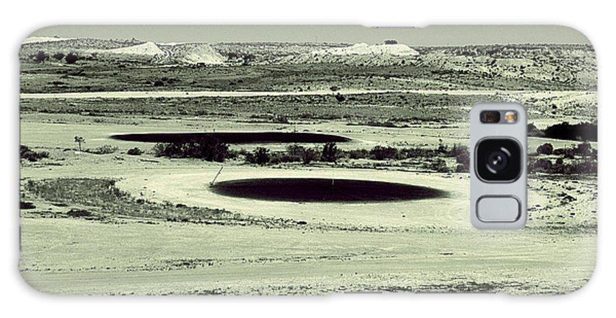 Desert Galaxy S8 Case featuring the photograph Desert Golf by Girish J