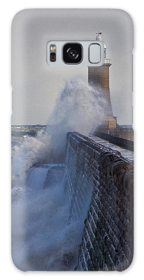 Tynemouth Galaxy S8 Case featuring the photograph Tynemouth Pier by David Pringle