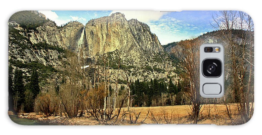 Scenics Galaxy Case featuring the photograph Yosemite National Park by J.castro