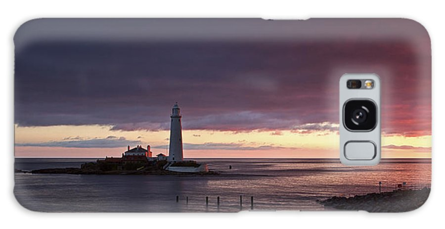 St Marys Galaxy S8 Case featuring the photograph St Marys Lighthouse by David Pringle