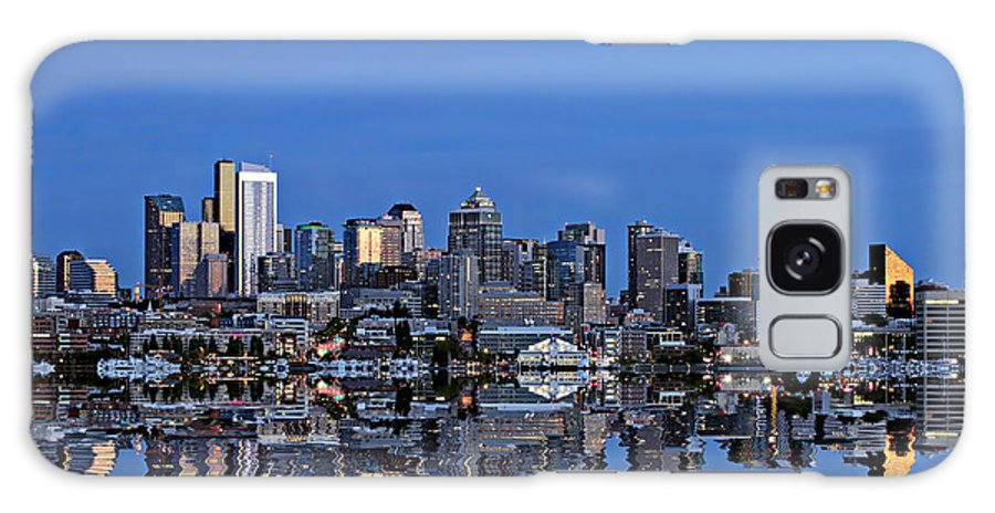 Seattle Galaxy S8 Case featuring the photograph Seattle by Paul Fell