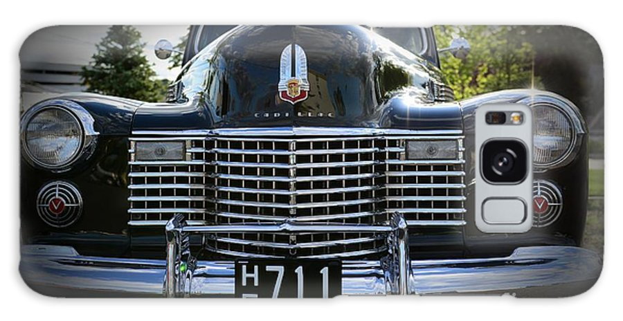 1941 Cadillac Galaxy S8 Case featuring the photograph 1941 Cadillac Front End by Paul Ward