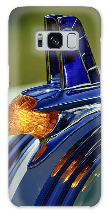 1953 Pontiac Galaxy S8 Case featuring the photograph 1953 Pontiac Hood Ornament 3 by Jill Reger