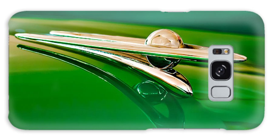 1955 Packard Clipper Custom Sedan Galaxy S8 Case featuring the photograph 1955 Packard Clipper Hood Ornament 3 by Jill Reger