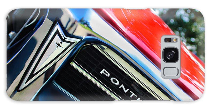 1967 Pontiac Firebird Grille Emblem Galaxy S8 Case featuring the photograph 1967 Pontiac Firebird Grille Emblem by Jill Reger