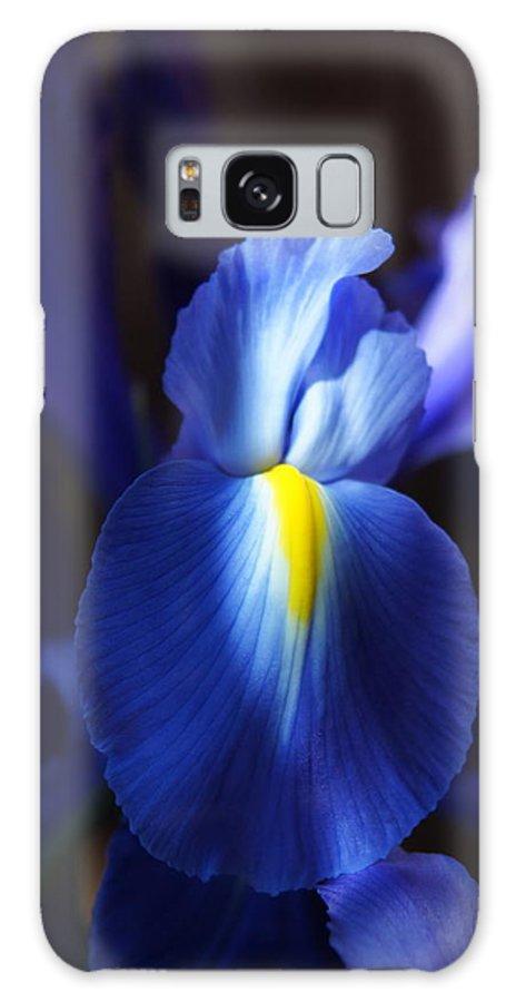 Iris Galaxy S8 Case featuring the photograph Iris by Megan Cohen
