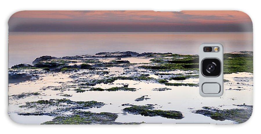 Seascape Galaxy S8 Case featuring the photograph Reflexion by Guido Montanes Castillo