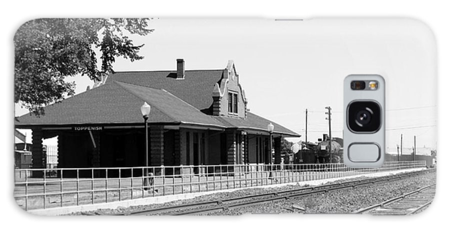 Toppenish Galaxy S8 Case featuring the photograph Toppenish Train Station by Carol Groenen