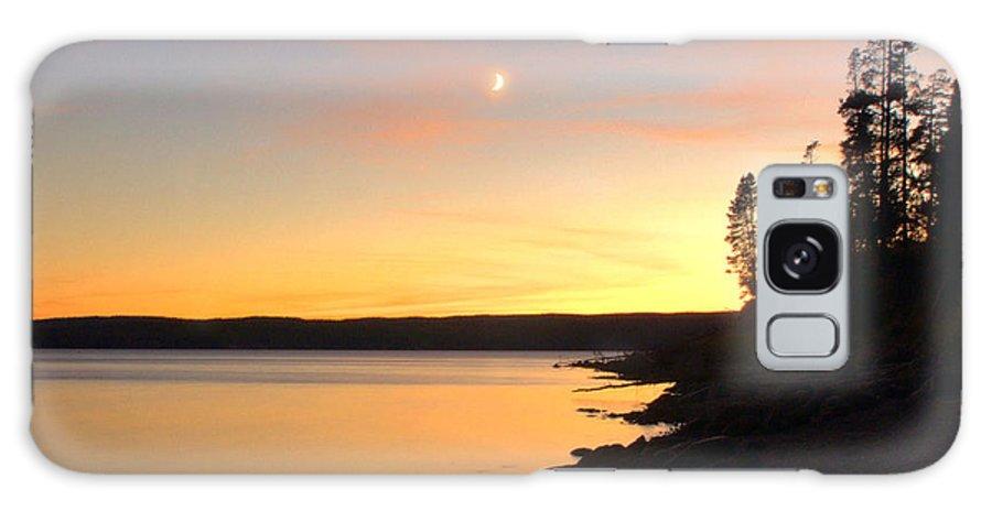 Yellowstone Galaxy S8 Case featuring the photograph Yellowstone Lake Sunset by Stephen Vecchiotti