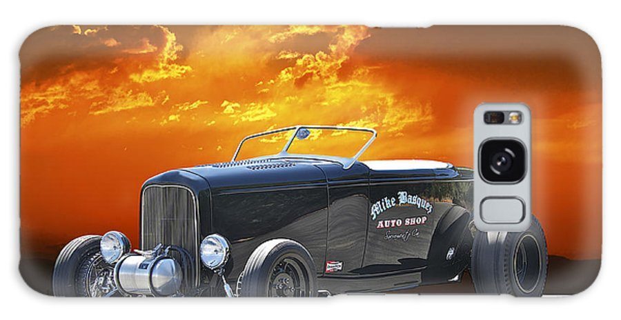 Coupe Galaxy S8 Case featuring the photograph 1932 Ford Roadster by Dave Koontz