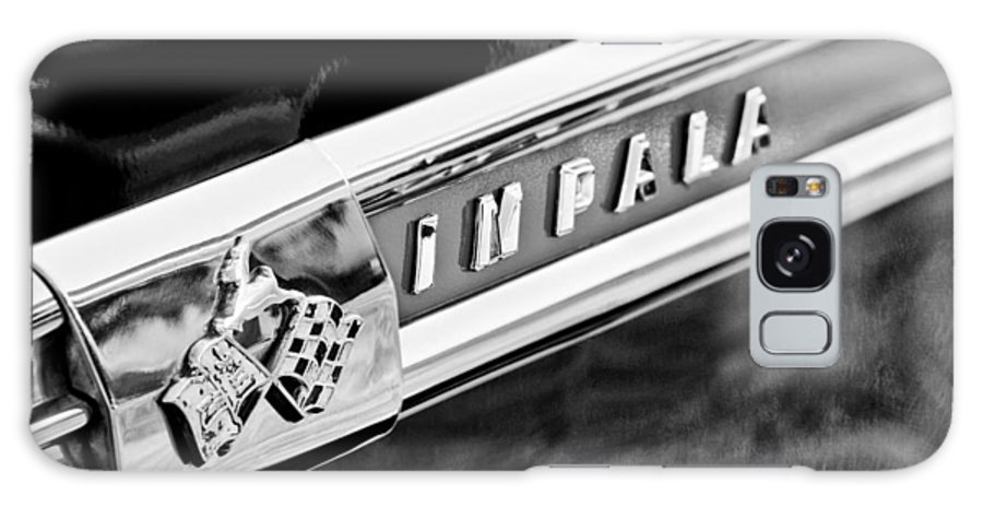 1959 Chevrolet Impala Emblem Galaxy S8 Case featuring the photograph 1959 Chevrolet Impala Emblem by Jill Reger