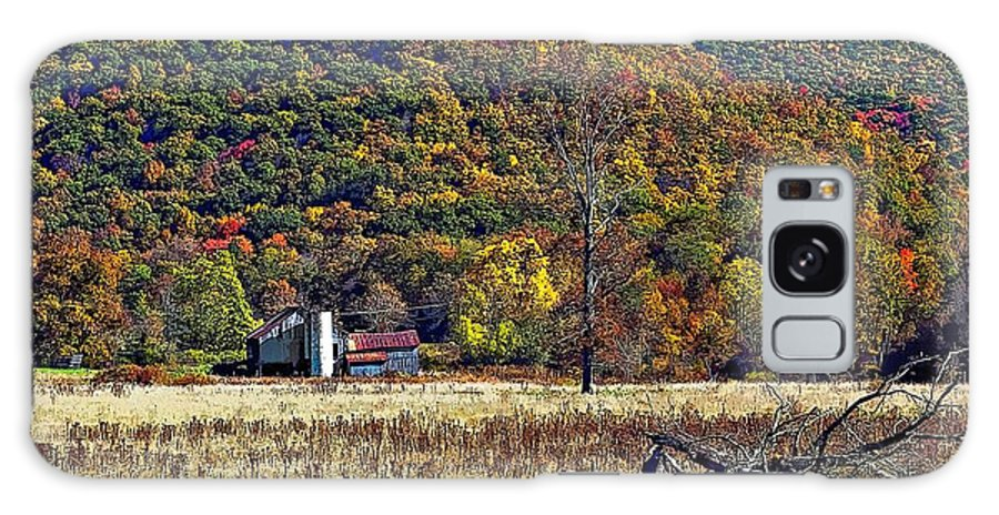 West Virginia Galaxy S8 Case featuring the photograph Autumn Farm by Steve Harrington
