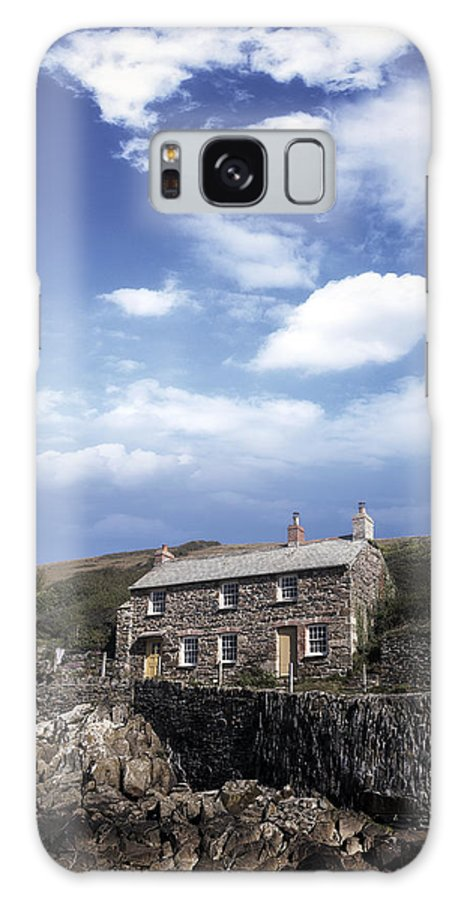 Cottage Galaxy S8 Case featuring the photograph Cornish Cottage by Joana Kruse