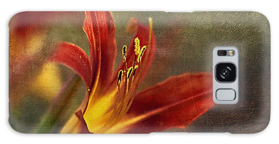 Lily Galaxy S8 Case featuring the photograph Passion by Maria Ismanah Schulze-Vorberg