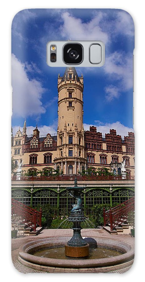 Alankomaat Galaxy S8 Case featuring the photograph The Castle Of Schwerin by Jouko Lehto