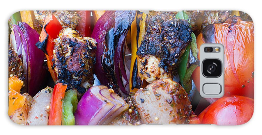 Marinated Galaxy S8 Case featuring the photograph Chicken And Pepper Kebabs Slowly Cooking On The Barbecue by Fizzy Image