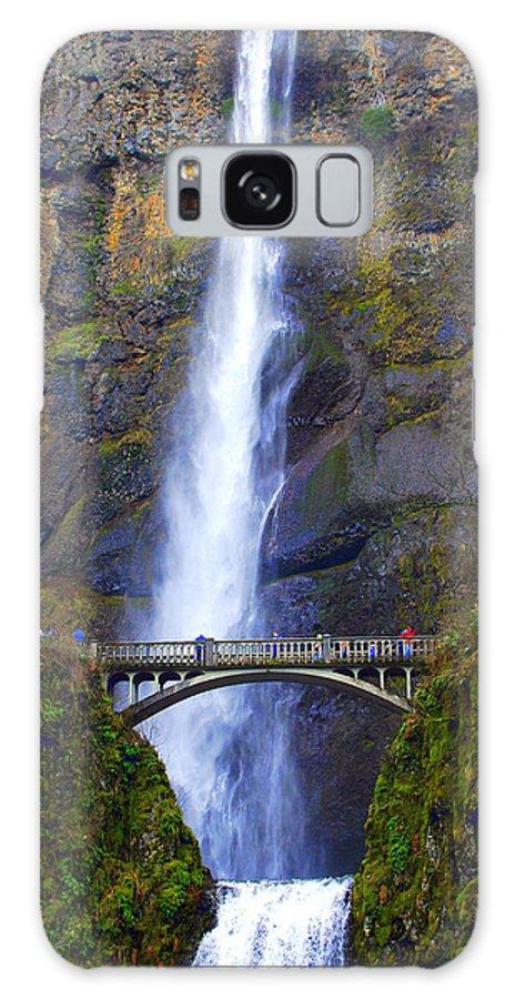 Multnomah Galaxy S8 Case featuring the photograph Multnomah Falls. by Oscar Williams