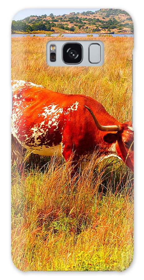 Landscape Galaxy S8 Case featuring the photograph A Longhorn by Mickey Harkins