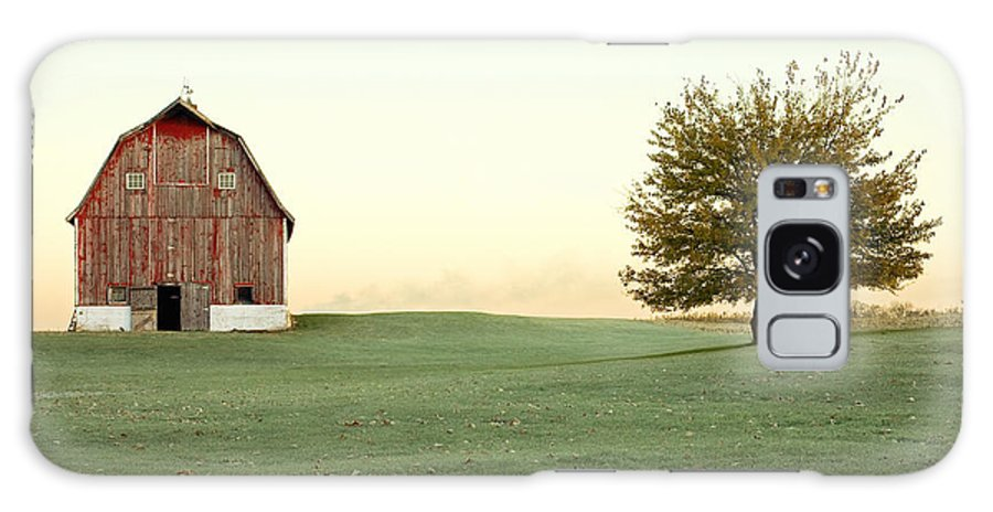 Barn Galaxy S8 Case featuring the photograph A Wisconsin Postcard by Todd Klassy