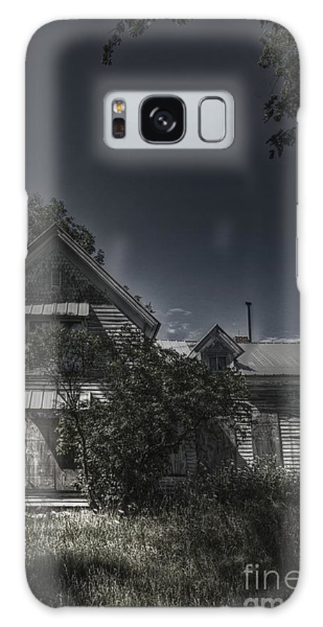 House; Home; Small; Farm House; Boarded; Boards; Wood; Falling Apart; Weeds; Grasses; Trees; Secluded; Abandoned; Desolate; Closed; Dark; Darkness; Ominous; Foreboding; Mystery; Mysterious; Deserted; Front; Facade; Covered; Shroud Galaxy S8 Case featuring the photograph Abandoned Farmhouse by Margie Hurwich