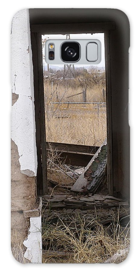 Lela Becker Galaxy S8 Case featuring the photograph Abandoned In Texas by LeLa Becker
