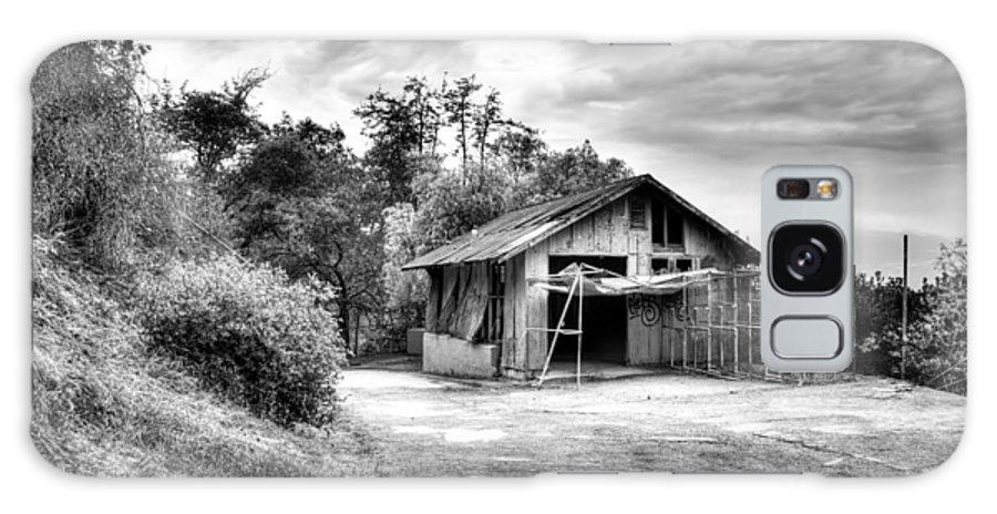 La Galaxy S8 Case featuring the digital art Abandoned La Zoo Dr's Barn House by Purple Moon