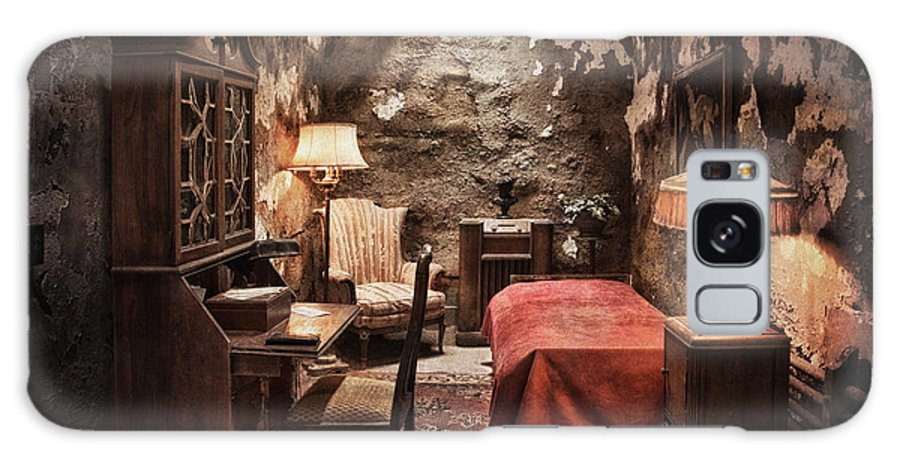 Penitentiary Galaxy S8 Case featuring the photograph Al Capone's Cell by Claudia Kuhn