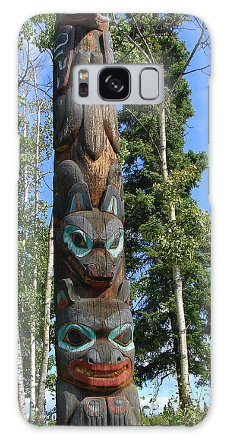 Totem Galaxy S8 Case featuring the photograph Alaska Totem by Lew Davis