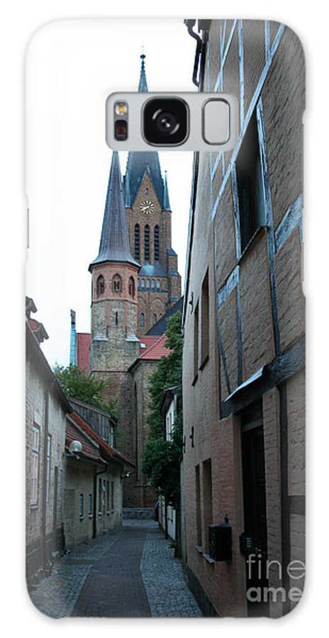 Alley Galaxy S8 Case featuring the photograph Alley In Schleswig - Germany by Christiane Schulze Art And Photography