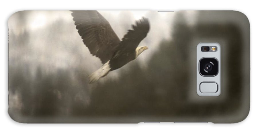 Birds Galaxy S8 Case featuring the photograph An Eagle Climbs by Jeff Swan