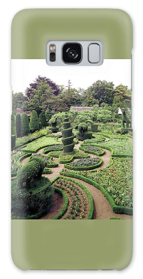 Exterior Galaxy S8 Case featuring the photograph An Ornamental Garden by Tom Leonard