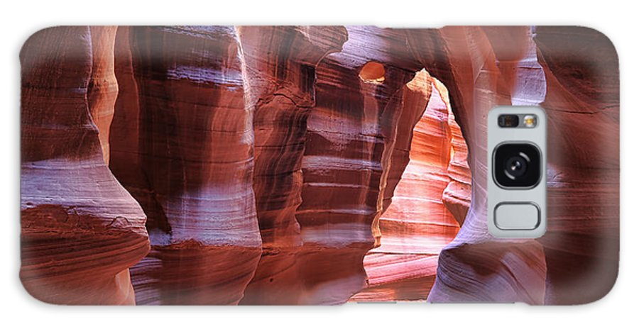 Upper Antelope Canyon Galaxy S8 Case featuring the photograph Antelope Canyon1 by Robin Carter
