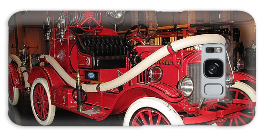 Fire Engine Galaxy S8 Case featuring the photograph Antique Fire Engine by Barbara McDevitt