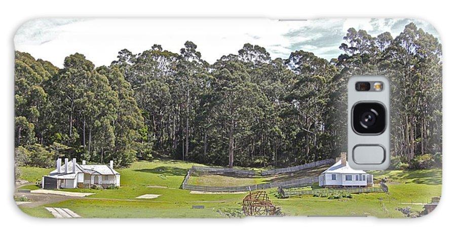 Tasmania Galaxy S8 Case featuring the photograph Artistic Living by Sean Rathbun