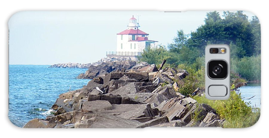 Lighthouse Galaxy S8 Case featuring the photograph Ashtabula Lighthouse On Lake Erie by Karen Adams
