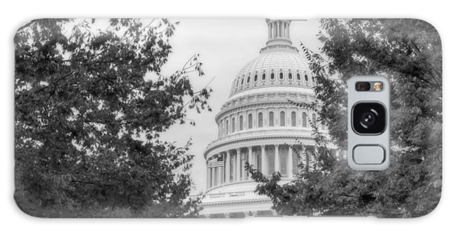 Us Capitol Galaxy S8 Case featuring the photograph Autumn In The Us Capitol Bw by Susan Candelario