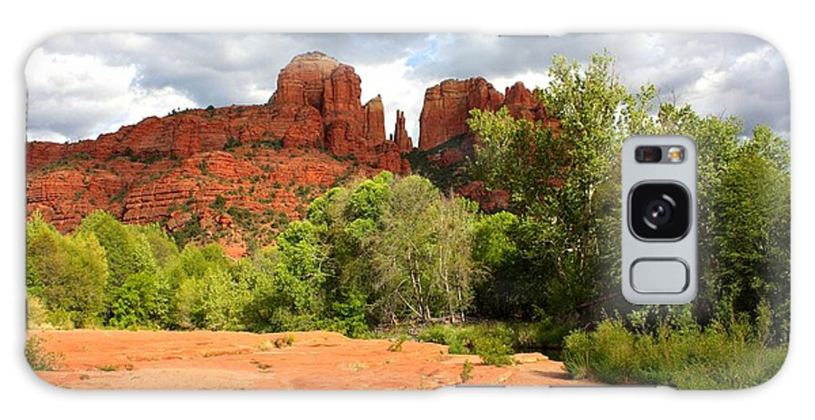 Sedona Galaxy S8 Case featuring the photograph Balance At Cathedral Rock by Carol Groenen