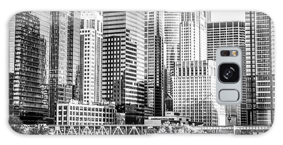 America Galaxy S8 Case featuring the photograph Black And White Picture Of Chicago At Lake Street Bridge by Paul Velgos