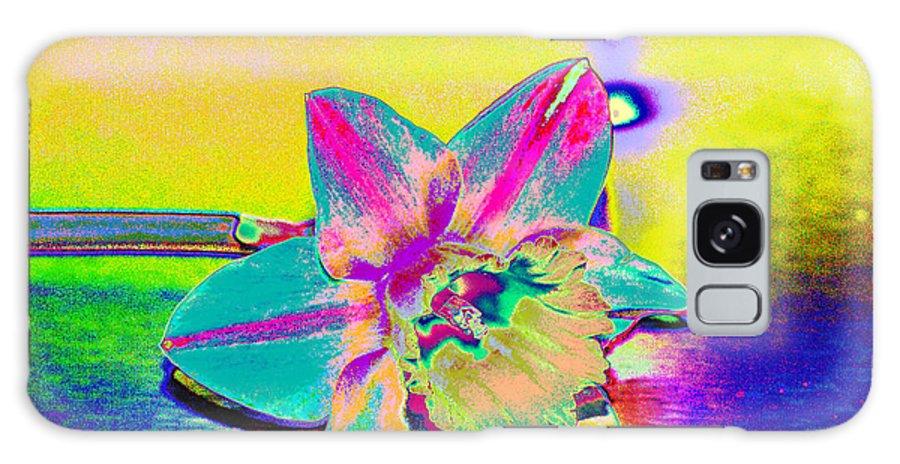 Daff Galaxy S8 Case featuring the digital art Bright Daff by Carol Lynch