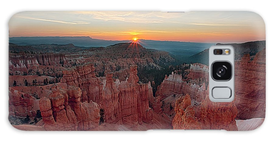 Rock Galaxy S8 Case featuring the photograph Bryce Canyon Sunrise by Jennifer Grover