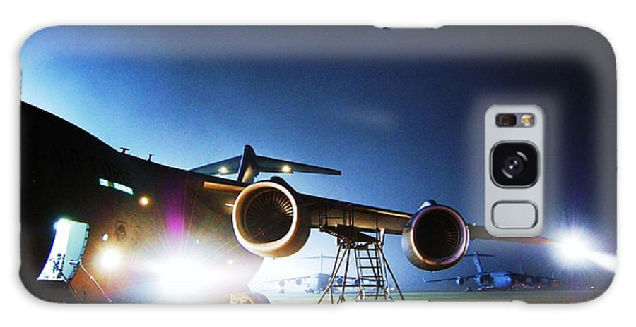C-17 Lights Galaxy S8 Case featuring the photograph C-17 Lights by Joey Negron