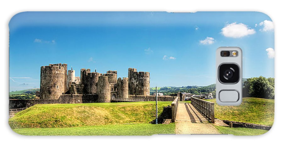 Caerphilly Castle Galaxy S8 Case featuring the photograph Caerphilly Castle 2 by Steve Purnell