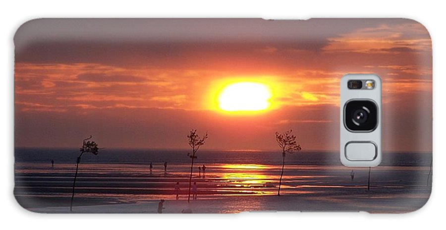 Beach Galaxy S8 Case featuring the photograph Cape Cod Sunset by Joan Gal-Peck